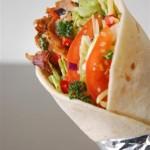 Kebab con pollo y salsa de yogur